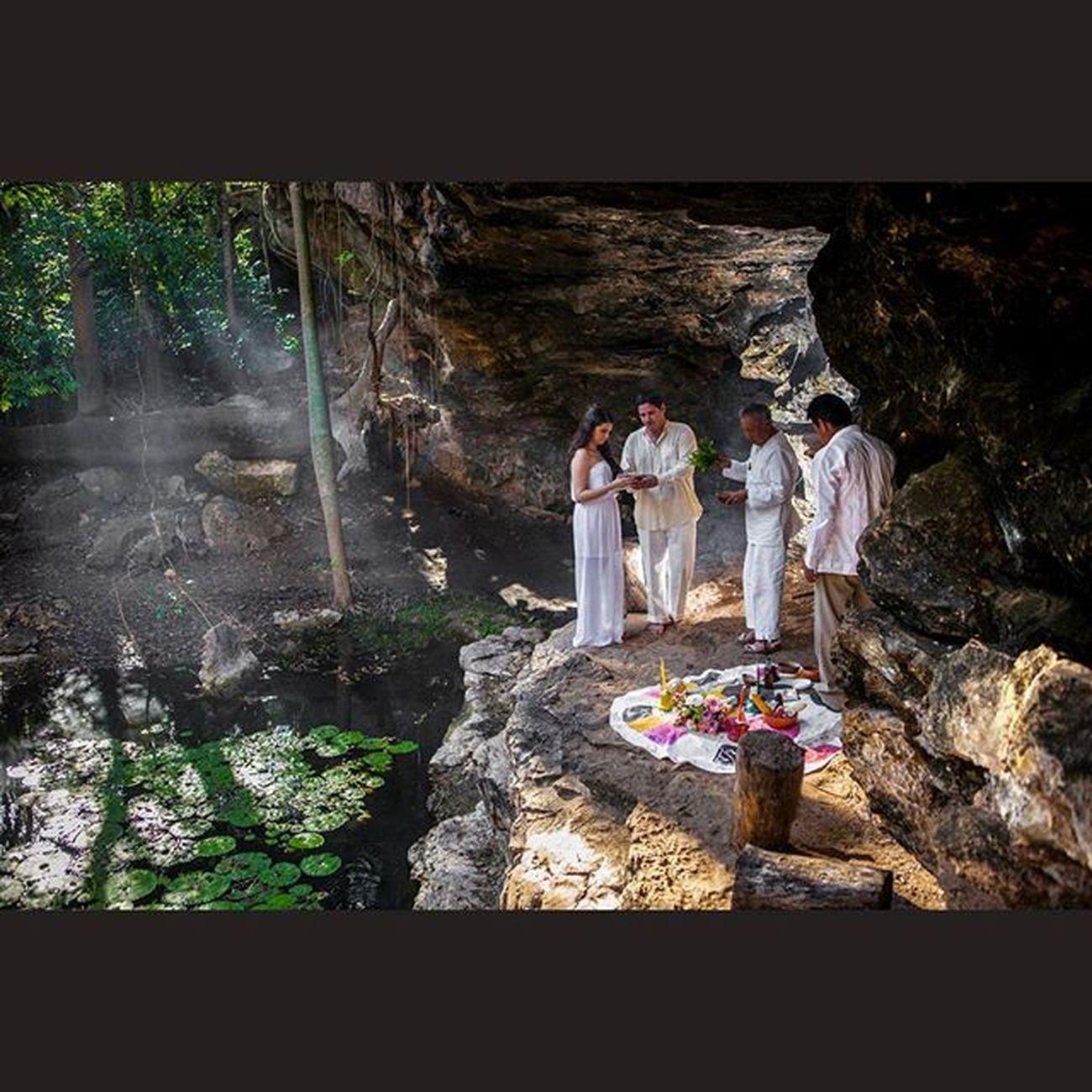 Canon Canon_official Canon_photos Canon5D Fotografo Foto Fotografia Rocafografia Tdt Mexicomagico Mérida Weddingseason Weddingphotographer Wedding Amor Bodas Boda Cenote Amor Novia Novio Boda Bodas Amor