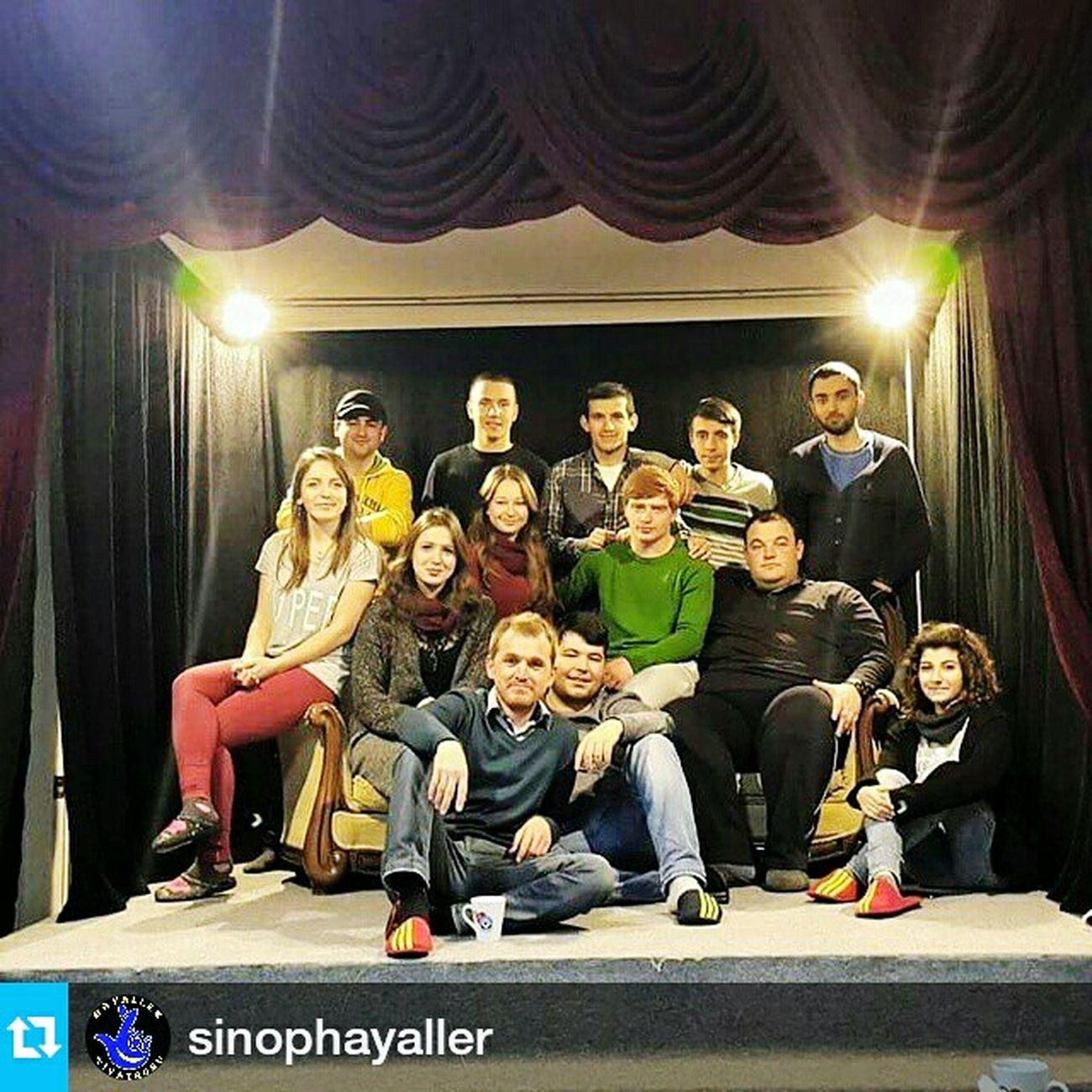 Tiyatro Tiyatroyuseviyoruz Hayaller Aile