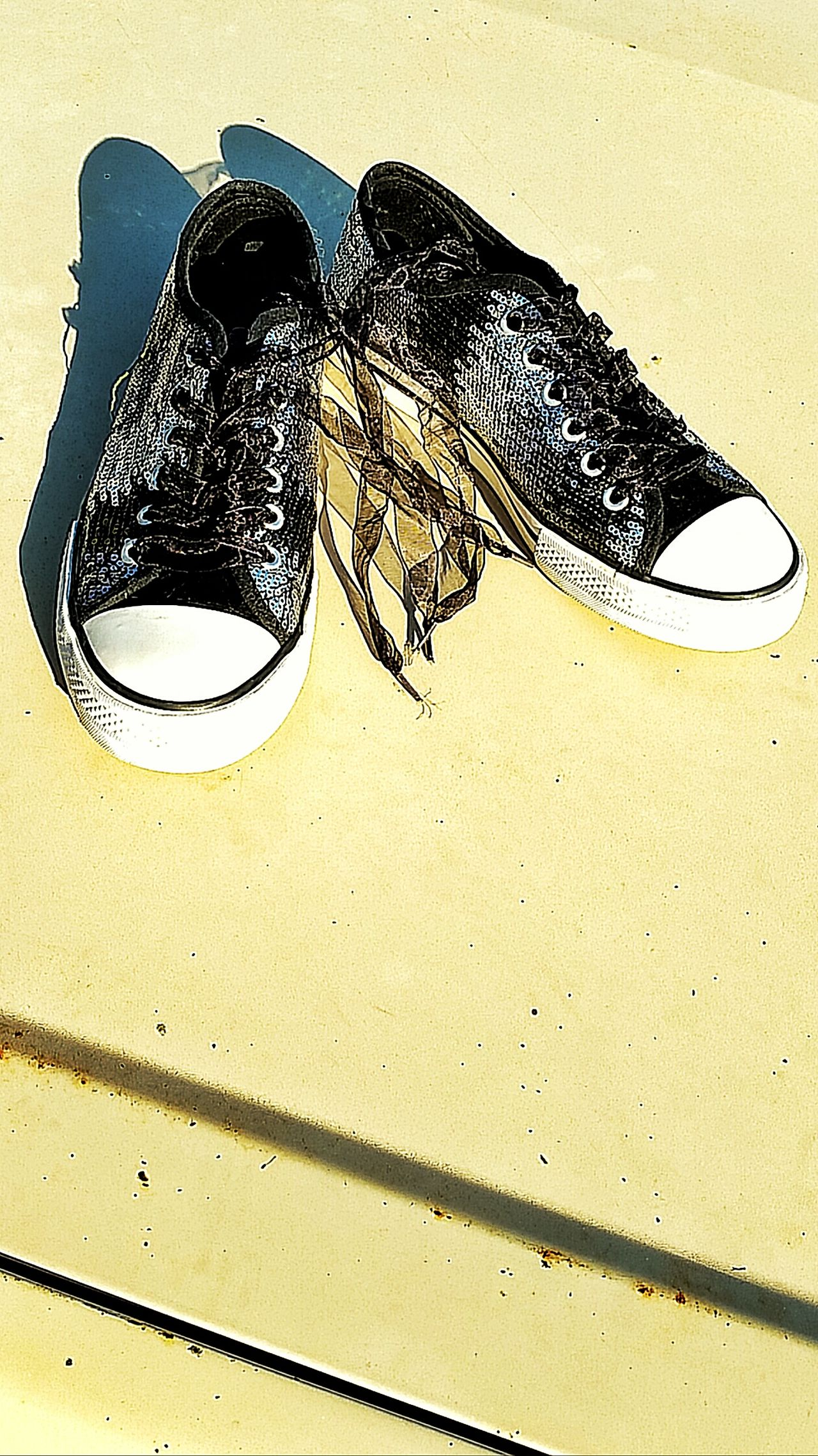 Fashion Pattern Close-up Pair Shoes Pair Of Shoes Footwear Yellow Background Nature Clothing Shiny Shiny Shoes Shiny Surfaces Glittering Glitter & Sparkle Surface Surface And Texture Textures And Surfaces Outerwear Favorite Favorite Shoes Favorite Things  Silver  Silver Shoes No People Lieblingsteil