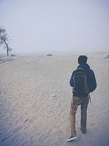 One Man Only One Person Outdoors Rear View Beach Beauty In Nature Sand Scenics Landscape_Collection Landscape_photography Like4like Photography Portrait Popular Photos Photooftheday Picoftheday Perspective Lonelyplanet Loneliness Lonelyplanetindia First Eyeem Photo Sommergefühle