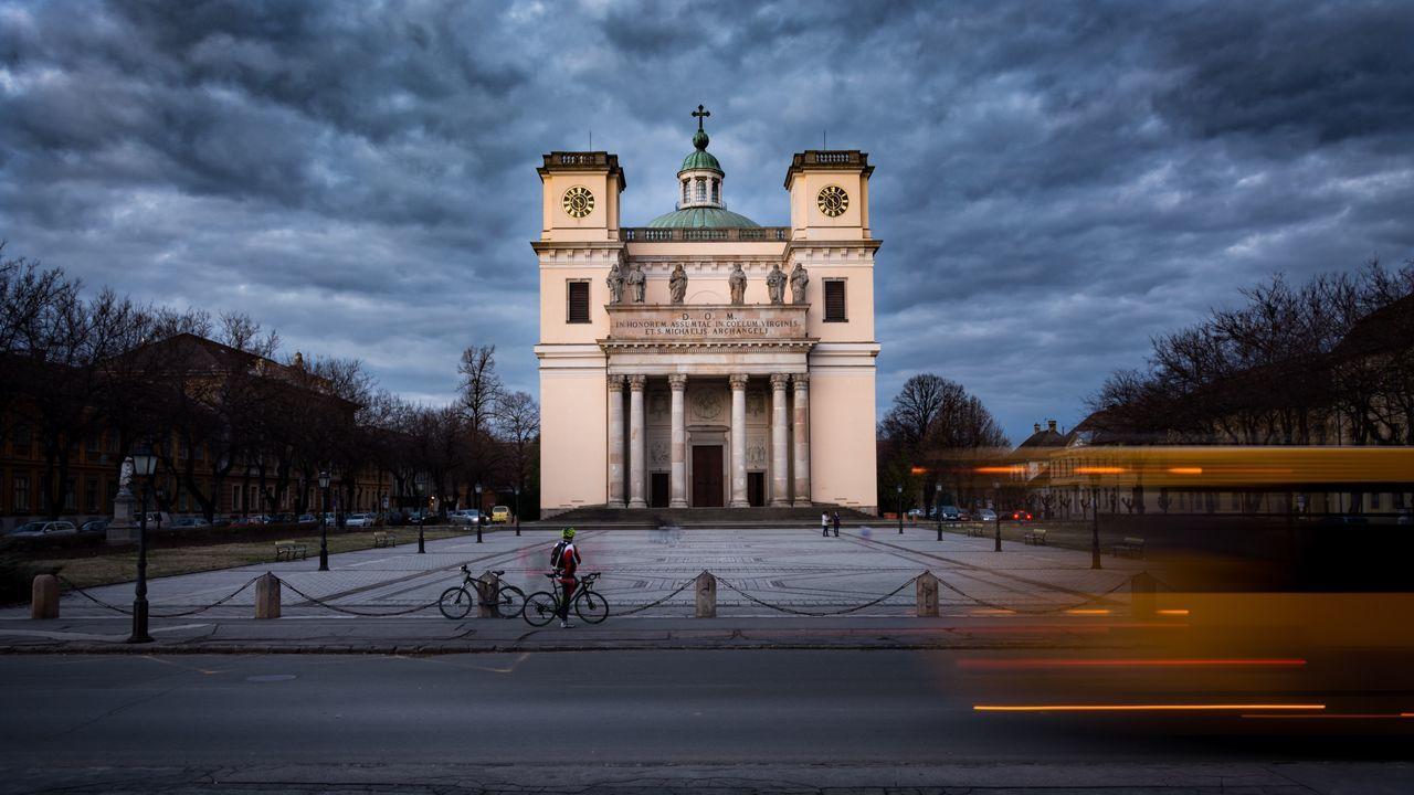 D.O.M. Vac Hungary Architecture Cloud - Sky City Longexposure Cityscape Magyarország Church Built Structure