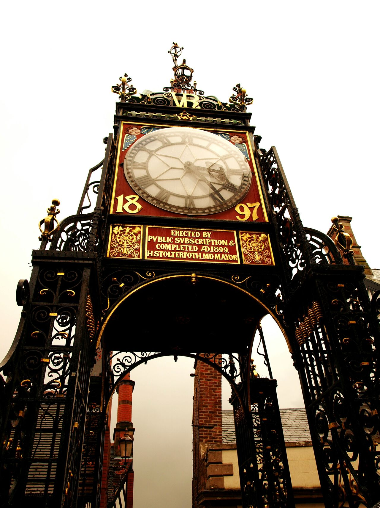 Clock Clock Tower Gold And Red Clock Face Minute Hand Architecture Victorian Architecture Victorian Tudors Chesterfield Architecture City Rainy Days Grey Sky England Inglaterra Reino Unido Torre Del Reloj Reloj Monumental Monument 1897 Vintage Historic