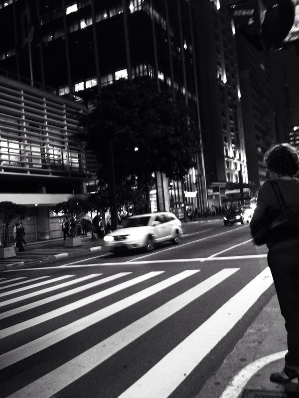AMPt_community Show us your thirty streetphotography blackandwhite by Bruno Sanchez
