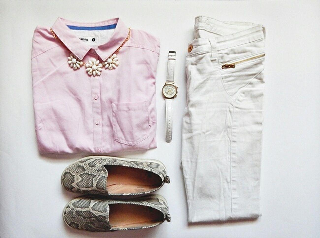 hrtp://iamallexandra.blogspot.com Fashion Clothes White Slipon Outfit