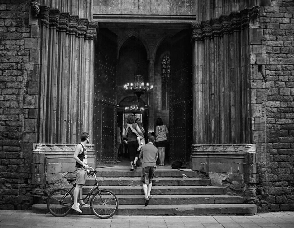 Blackandwhite Shades Of Grey Monochrome Church Bike Door Streetphotography Streetphoto_bw Mi Serie Barcelona
