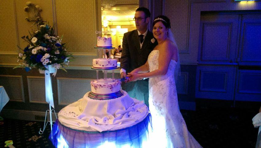 Family Wedding Wedding Day Cutting The Cake