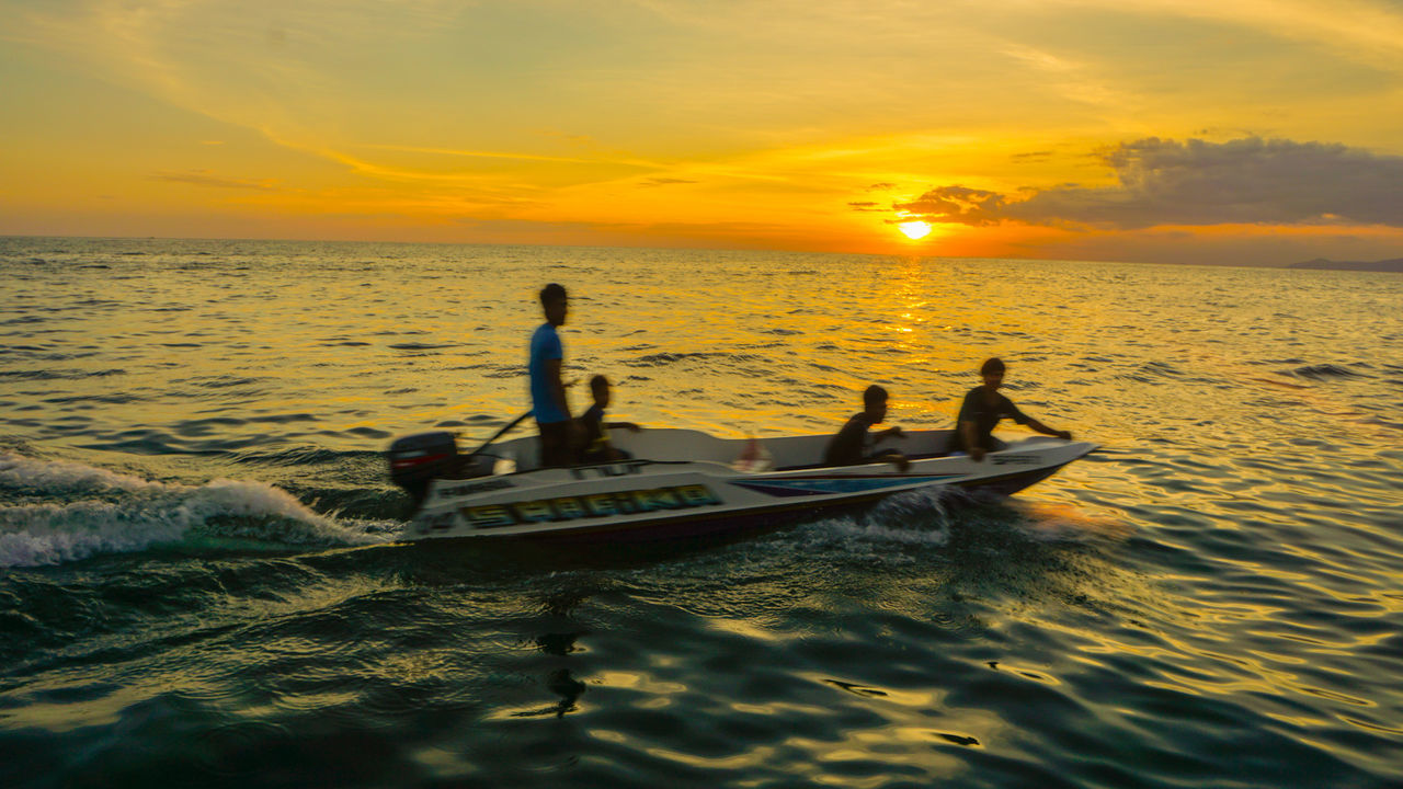 Sunset Silhouette Photography Sunrise Sea Ocean View Bluewater Seascape Scenery Stormy Weather Gypsy Bajau Malaysia Mabul Sabah Outdoor Photography Boatman Boats And Sea Fishermen At Work Moving Objects Sky Gloomy Calming Clearwater Local Gypsy Living