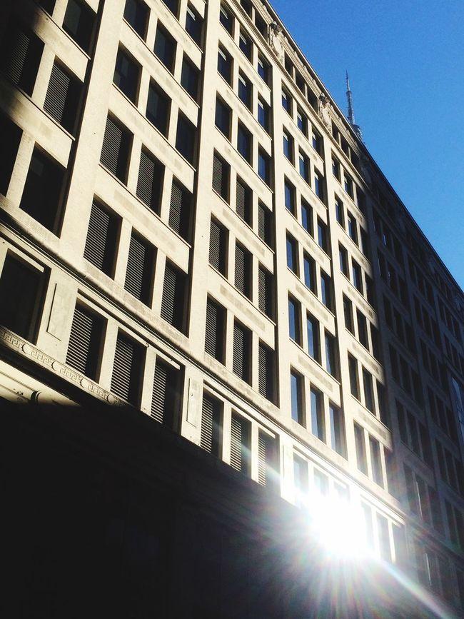 Fassade NYC New York New York City Sunlight Sun Reflection Blue Sky Winter Morning Strong Shadow