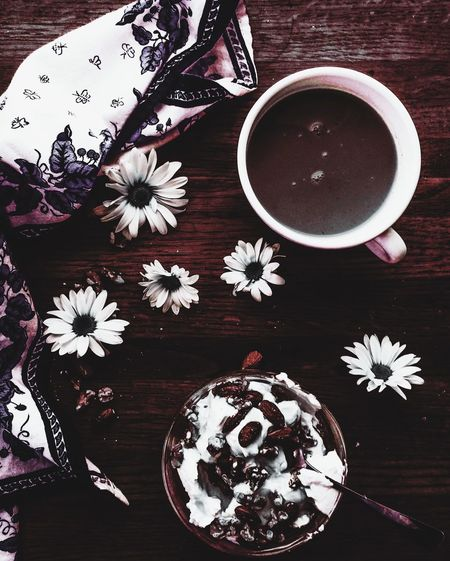 Coffee Coffee Time Morning Morning Rituals Breakfast Waking Up Waking Up Happy Pretty Napkin Pretty Things Glass Dish Yogurt Coffee Art White Daisies Wood Table Still Life StillLifePhotography Morning Coffee