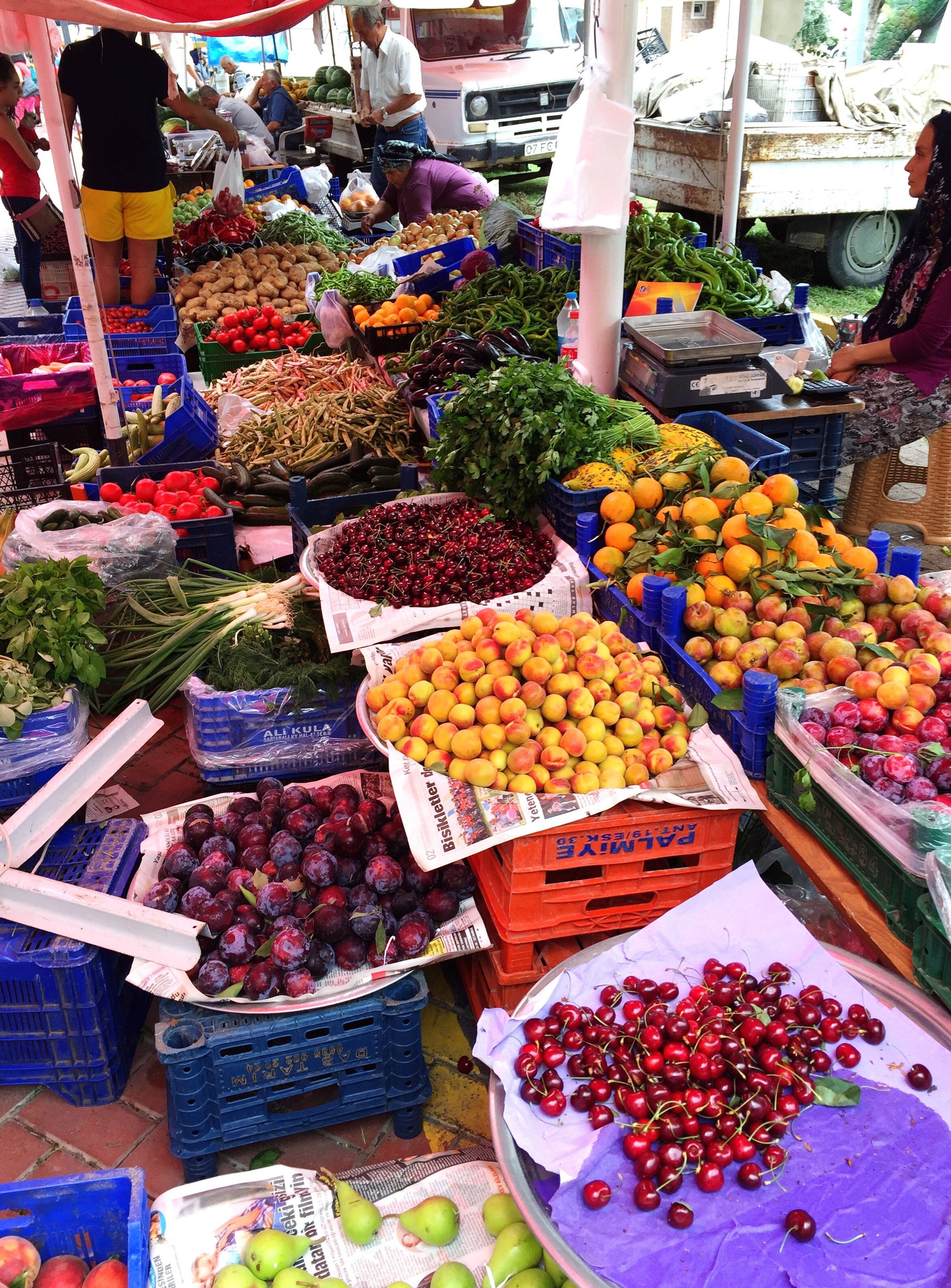 for sale, retail, market stall, freshness, food and drink, market, variation, food, choice, abundance, large group of objects, healthy eating, fruit, price tag, display, arrangement, small business, sale, consumerism, store