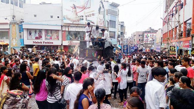 Visarjan_diaries Ganesha Crowded India Gujarat India Festival Season Rain DJing Dance