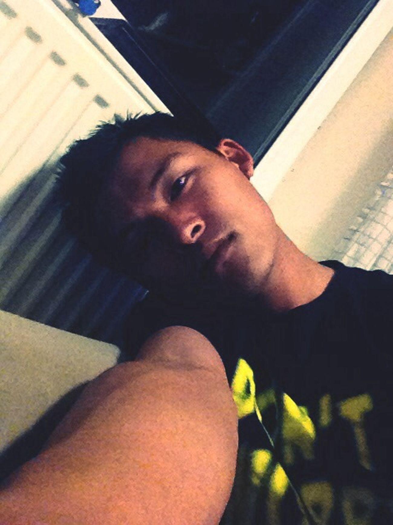 Bored >.<