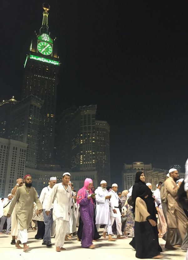 People And Places Tawaf Tawaf Around Kabah Zamzamtower Mecca Mecca Al-mukarramah People Photography No Edit/no Filter Iphone6 Night Lights Nightphotography