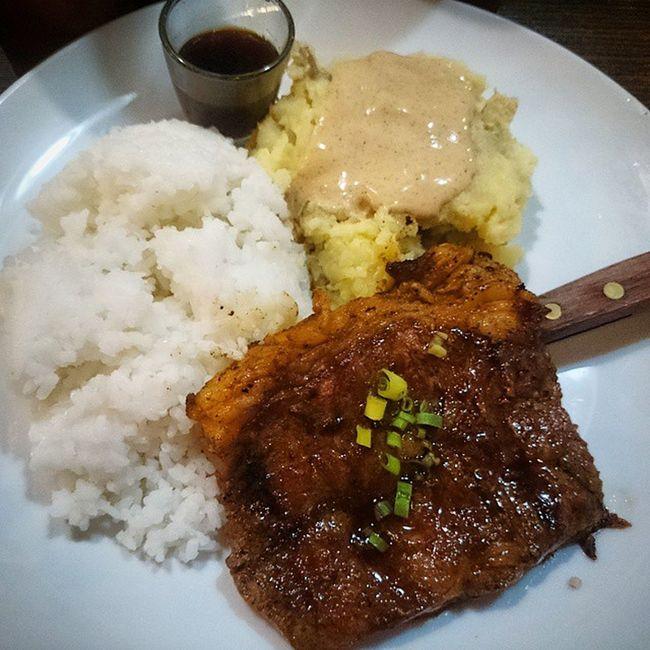 Dinner with the boys and a girl... Grilledbaka Dinurognapatatas Isangtasangkanin Sidadanahirapankumain hashtagmyass