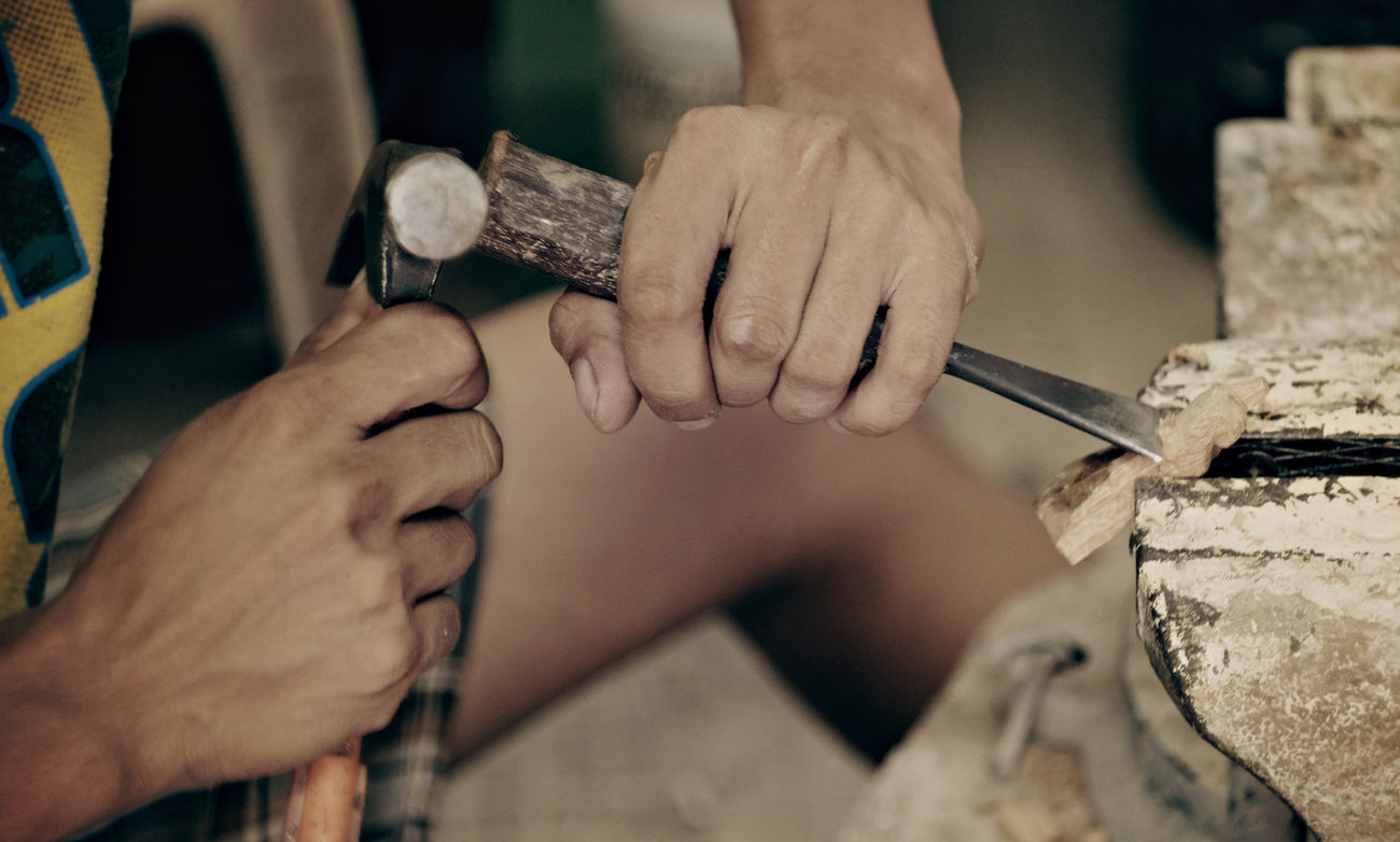 Working Hands, Wood Carving... | Fujifilm-XT10 + Helios 58mm 44-2 People Passion Filmsimulation Strollin' Lifestyles FUJIFILM X-T10 Fujifilm Vintage Lens Fujifilm_xseries Passionforphotography Travel Vintage Lens Hobbyist Fujifilmph People And Places Close Up Street Photography Street Sculpture Sculptor Workingpeople Working Hands EyeEmNewHere Mirrorlessrevolutionfujifilm Mirrorless Mirrorlessrevolution