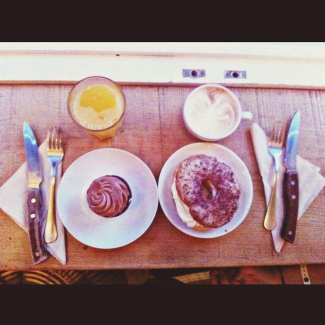 Travell & Cake yuuuumiii Goodmorning