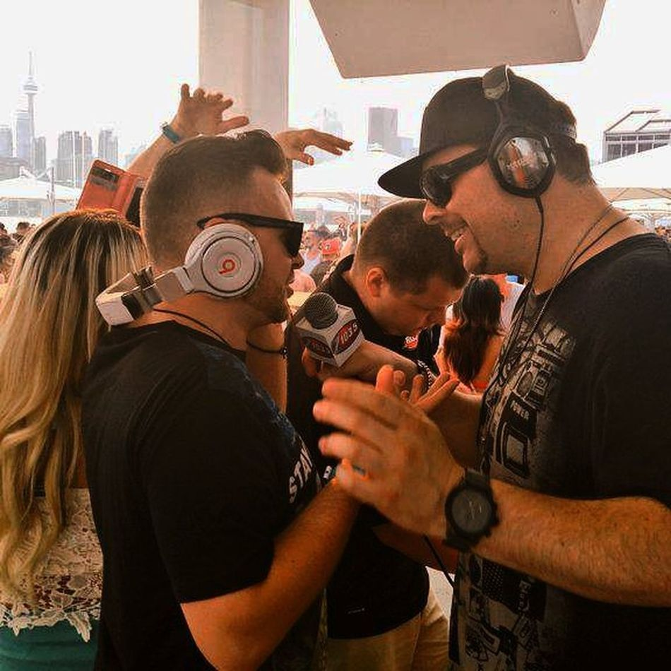 Earlier today during Daylife at Cabanapoolbar , @manzonestrong talking with Flipside live on @z103toronto