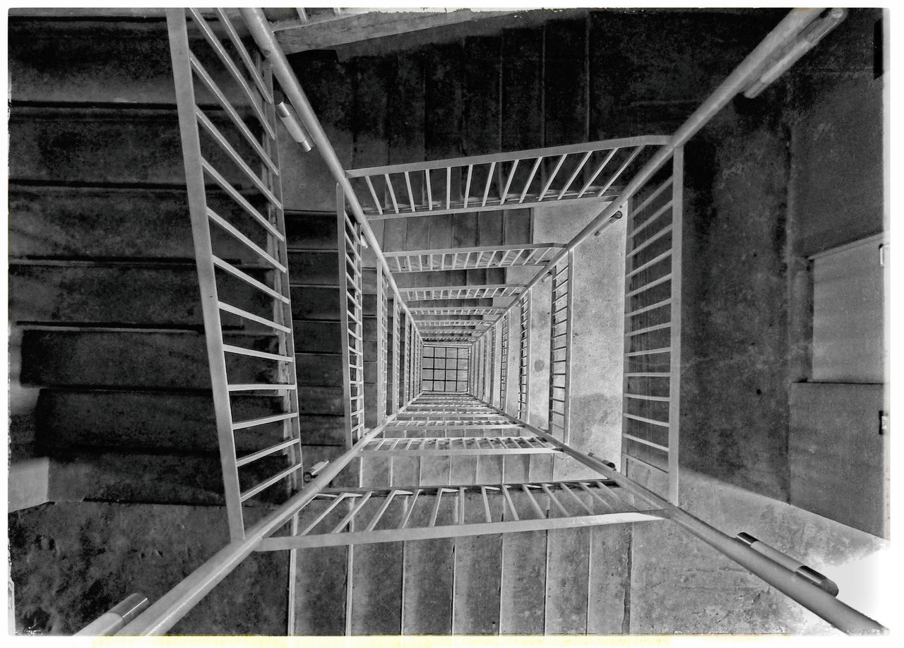 steps and staircases, steps, staircase, architecture, railing, built structure, no people, stairs, spiral, indoors, day, spiral staircase, hand rail