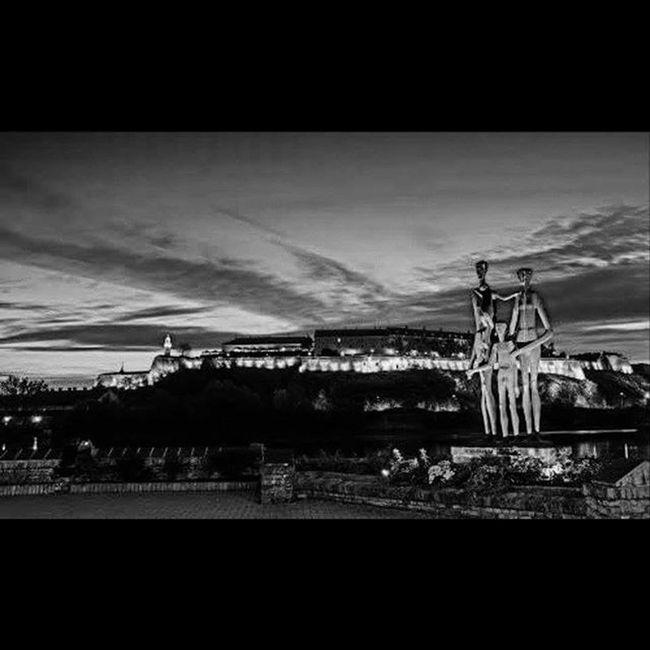 Family Historical Monument Kejzrtavaracije 21 /01/1942 Jewry Romi Serbs Shooting Fascits Fascism JovanSoldatovic Danube Petrovaradinfortress Bw Bwphotography Bwmoment Capture Rip