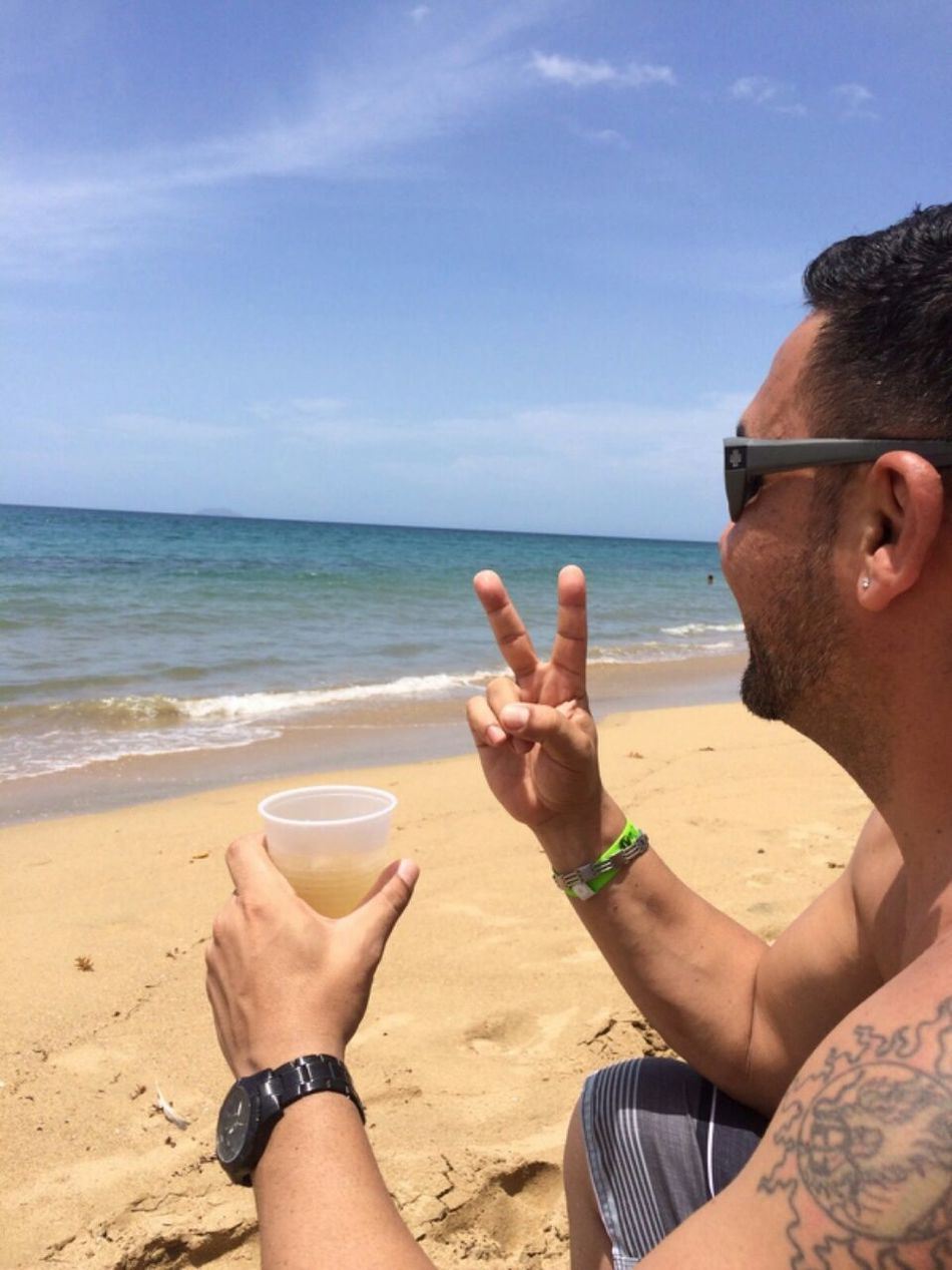 That's Me Enjoy Life La Vida En La Playa Latino Life Is A Beach Drinks Relaxing Me