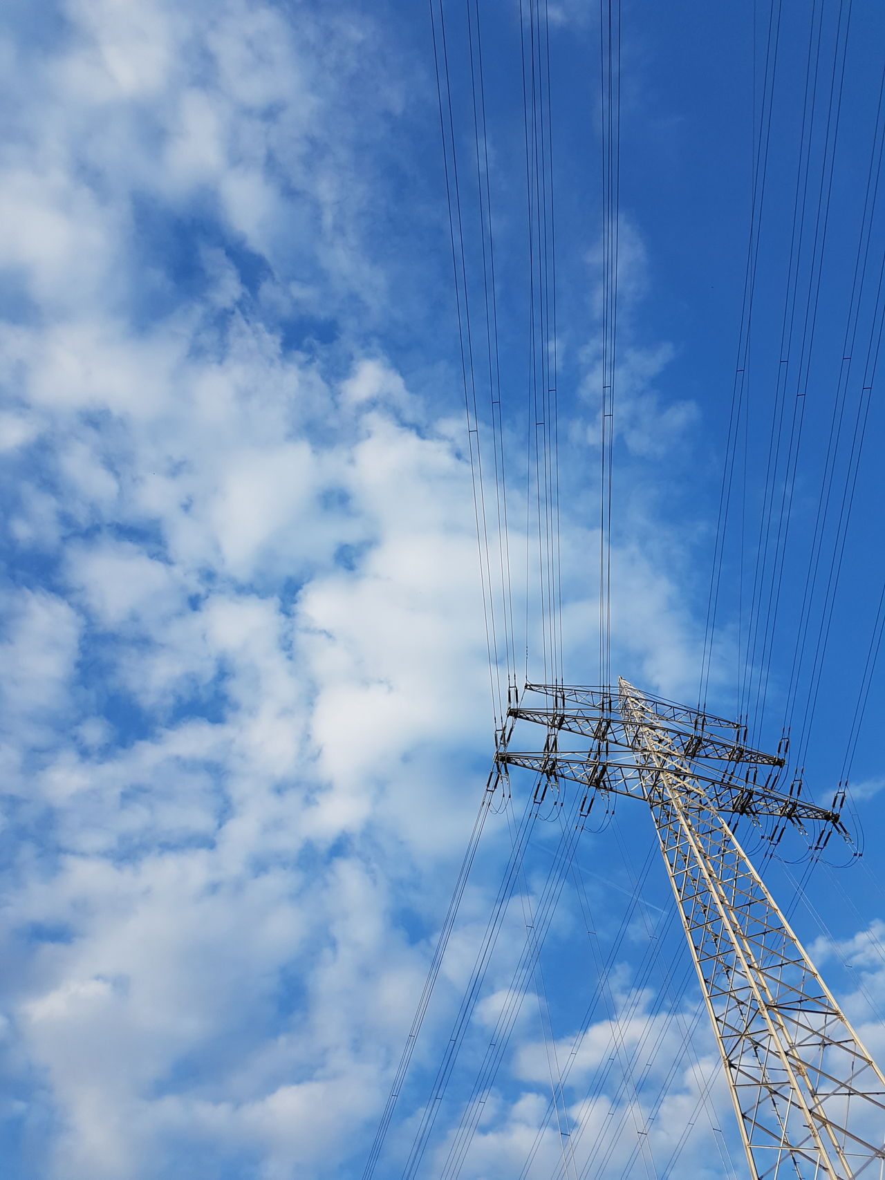 Cloud - Sky Cable Sky Technology No People Blue Day Electricity  Low Angle View GERMANY🇩🇪DEUTSCHERLAND@ Electricity  Electric Tower  Electricity Tower Electriccables