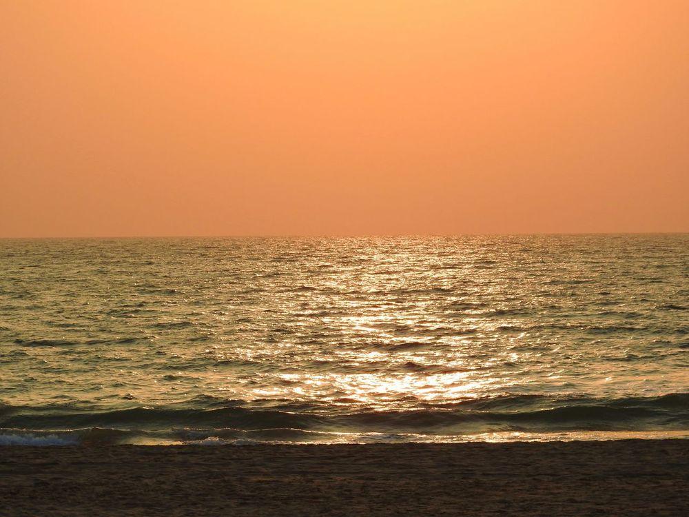 Beach Sun Beach Sun ☀ Eyeem Beach Sunset Beach Sunset Sea Sky Sunset Sunset #sun #clouds #skylovers #sky #nature #beautifulinnature #naturalbeauty #photography #landscape Sunset_collection Yellow Sunset