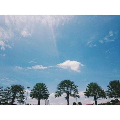 """"""" ฟ้ า ใส """" ฟ้าสดใส ทำให้ใจฉันชื่นบาน :) . . . :: HappyPuYnoON . . . . Travel Traveling Traveler Journal Journalist VSCO Vscocam Happy Behappy Enjoy Thailand Nature Sky Clound"""