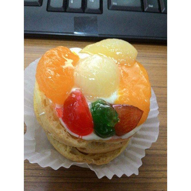 Instafood Foodie Yummy Delicious Sweet Snack Fruits Kue Cake Sus Holandbakery