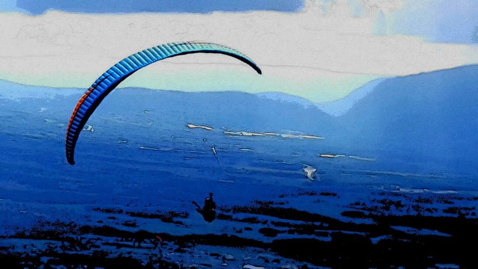Adventure Beauty In Nature Blue Day Dying My Hair Extreme Sports Flying Landscape Leisure Activity Lifestyles Mid-air Mountain Mountain Range Nature Non-urban Scene Para Glidin Parachute Paragliding Scenics Season  Sport Tranquil Scene Tranquility Unrecognizable Person Vacations