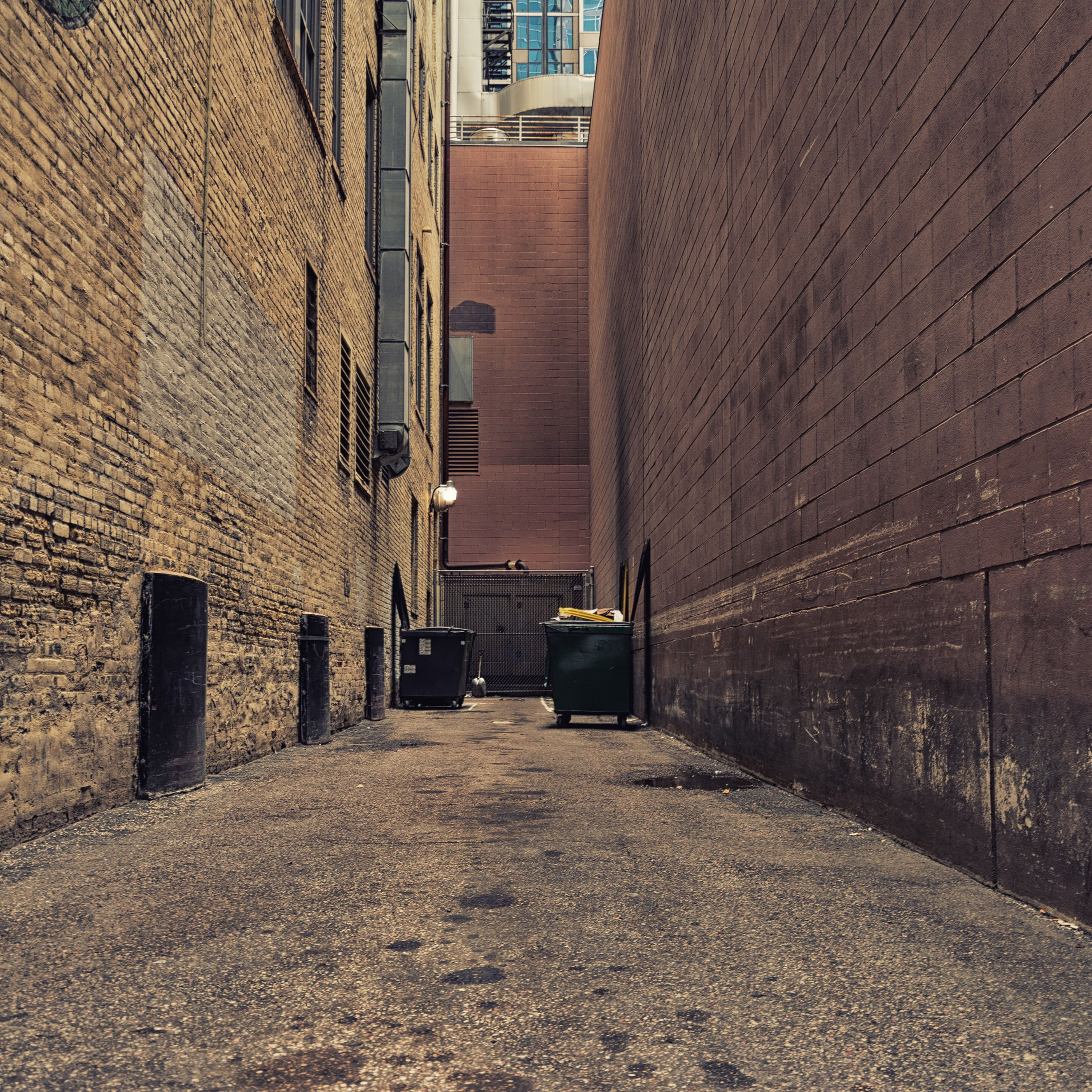 architecture, building exterior, built structure, street, building, transportation, brick wall, residential structure, wall - building feature, city, residential building, the way forward, window, house, alley, day, cobblestone, wall, outdoors, land vehicle