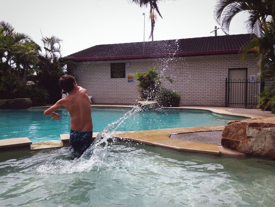 Crystal Clear Sharp Splash Water Pool