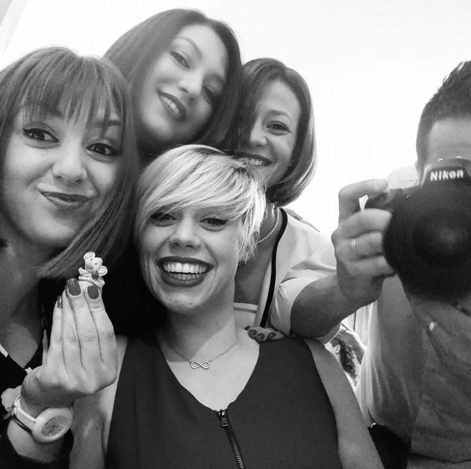 Sisters Happiness Nikonphotography Selfie Women Enjoyment Smiling Beautifulsmiles Lookthecamera