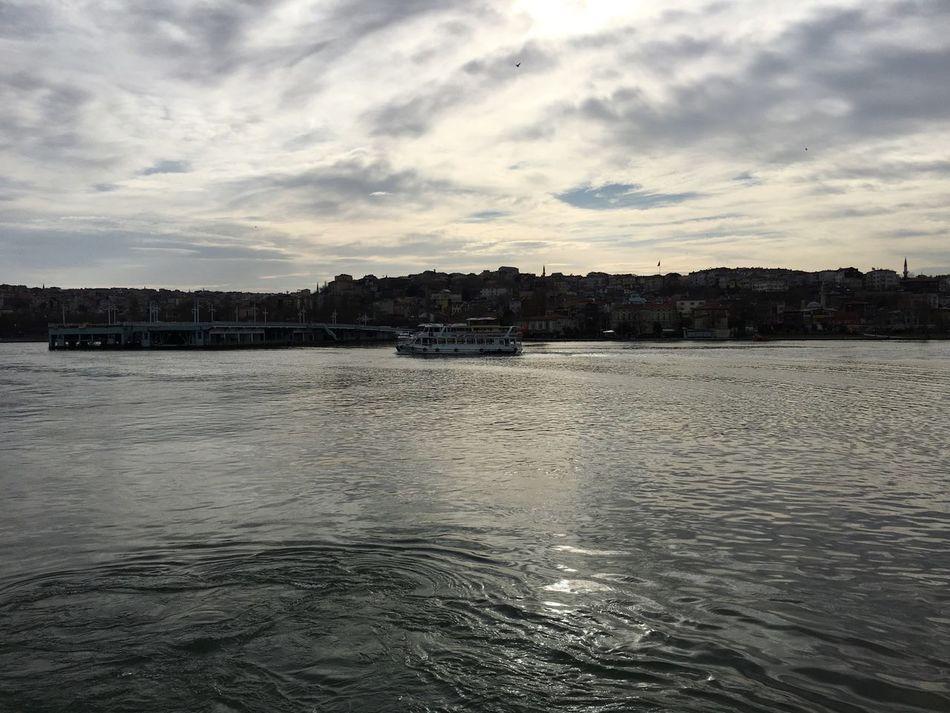 Hello World Relaxing Deniz Haliç