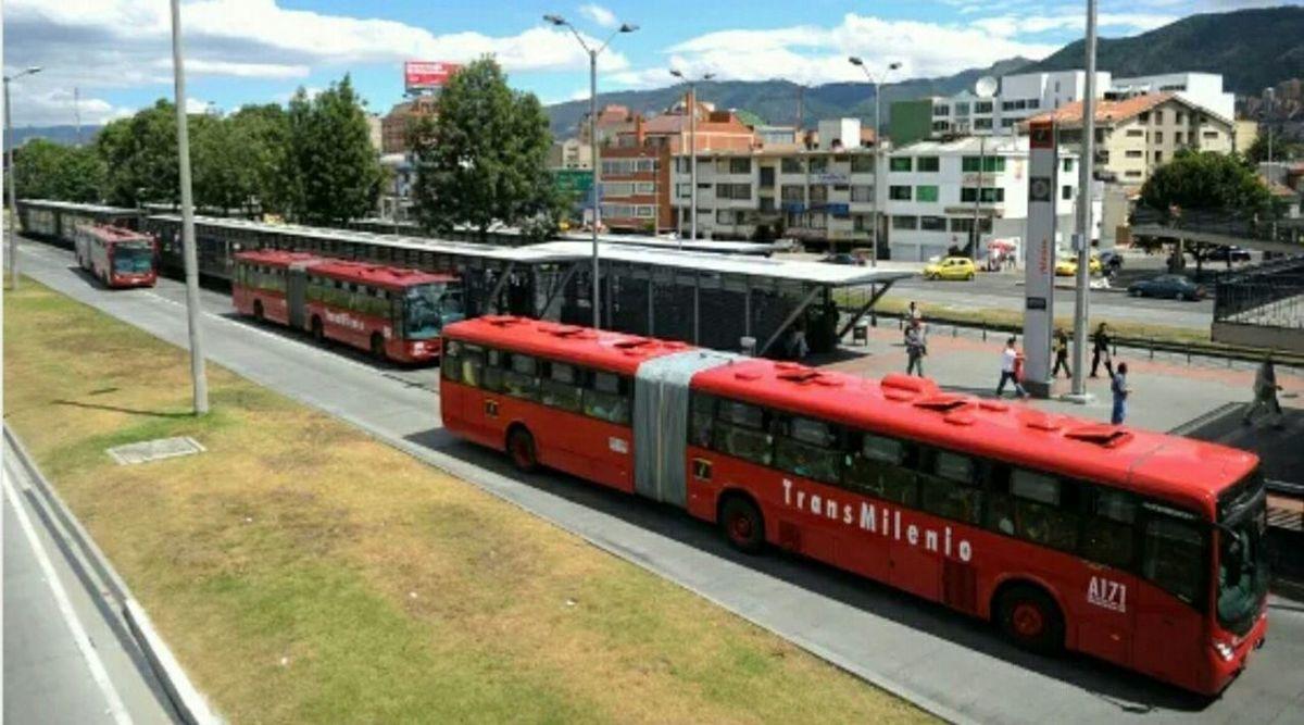 BOGOTÁ Taking Photos City Capital Cold City Bogota. Colombia Public Transportation Hi! Taking Photos