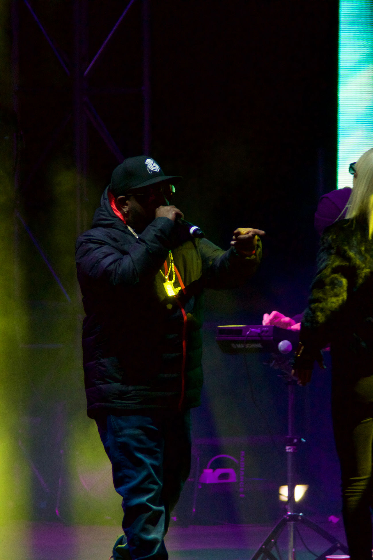 Big Grams killing it at the Burton US open Biggrams Burtonusopen Concert Fog HipHop Lowlight Night Outdoor Concert Outdoors Rap Winter