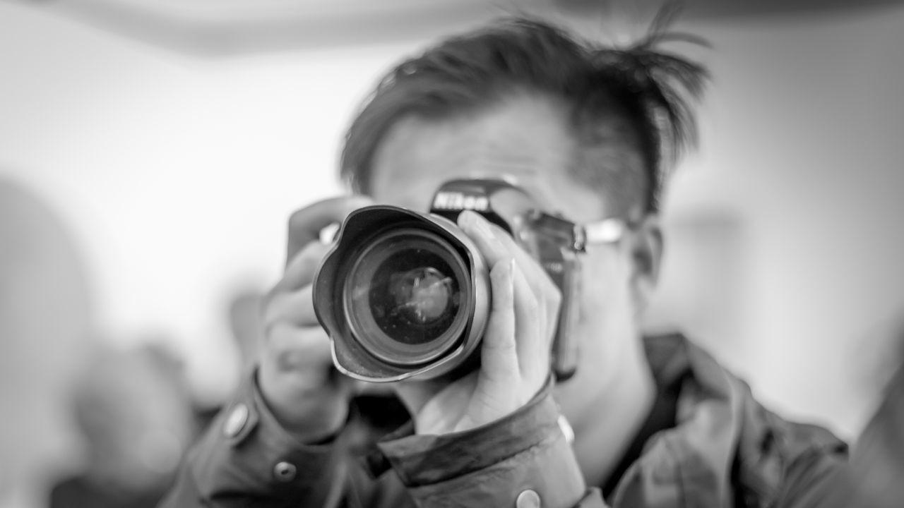 Nikon Boy | #FBM16 #FBM16 500px Black & White Black And White Blackandwhite Blackandwhite Photography Buchmesse2016 Camera - Photographic Equipment Digital Camera Digital Single-lens Reflex Camera EyeEm Best Edits EyeEm Best Shots EyeEm Best Shots - Black + White Fbm16 Frankfurt Lens - Eye Paparazzi Photographer Photographer Photographic Equipment Photographing Photography Themes Street Photography Streetphoto_bw Streetphotography Thisiswhatweshare