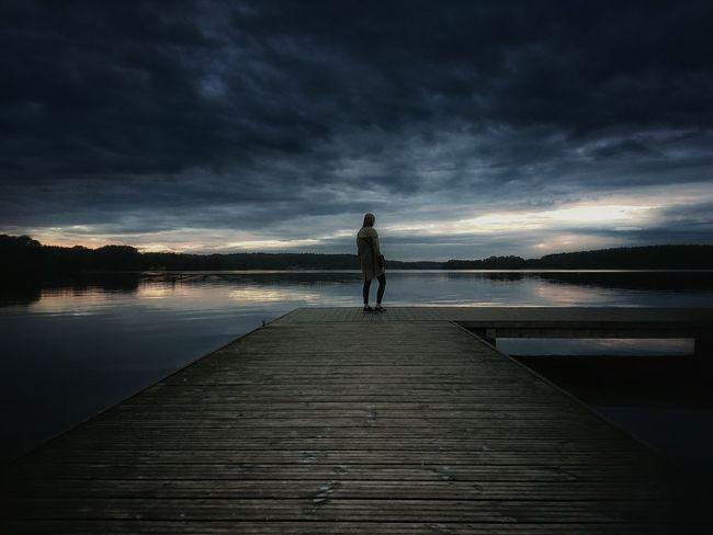 Dziewczyna na pomoście Girl Lake Jezioro Dziewczyna Natura Sunset Warmia Mazury Polska Poland Woda Landscape Krajobraz