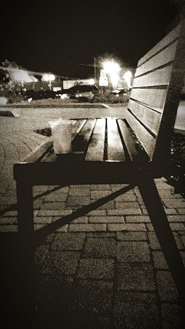 Blacknwhite Blackwhite Black And White Collection  Blackandwhitephotography Black&white Black And White Photography Blackandwhite Photography Black And White Blackandwhite Outdoor Photography Black & White Black And White Collection! Black And White Series Nightview Night Photography My Favorite Place ng view Chair Wood Chair Chairview Colors Of The Night Evening Photography Night Out Outdoors