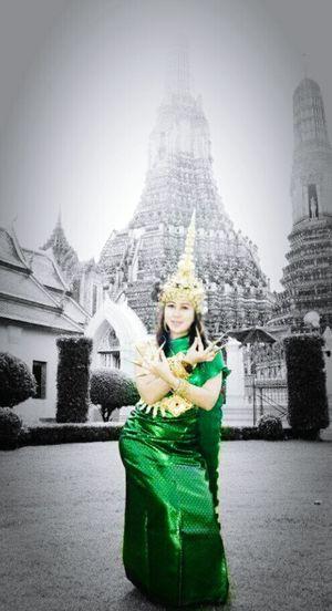 Me Royalclothes Ayuttayakindom Ayutthaya | Thailand Watarunbangkok Chaopraya Visitthailand Thailandgirl Temple Budhism Hinduism Colorsplasheffect