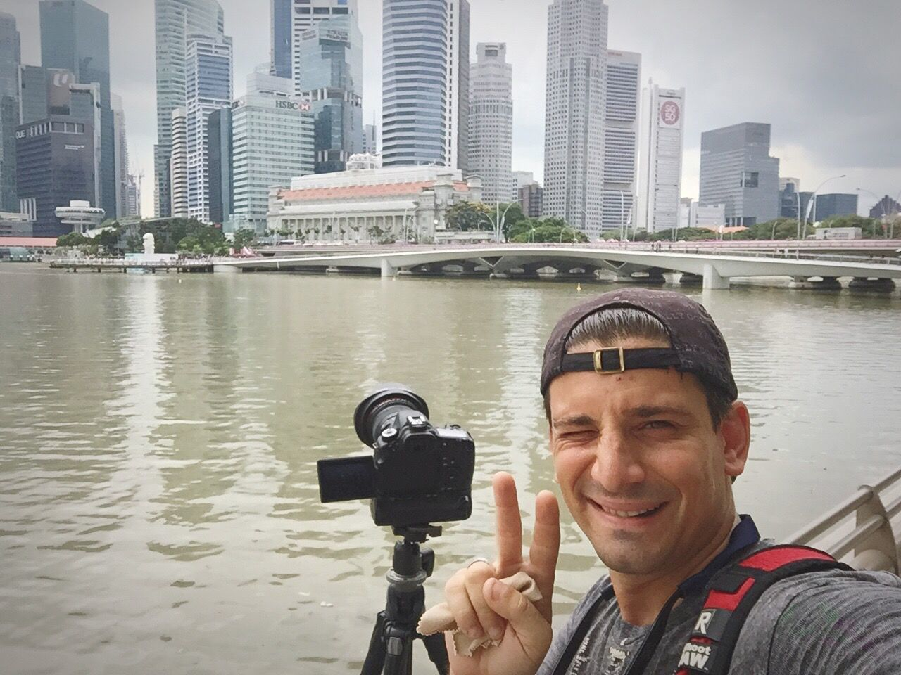 When there is no one to photograph me photographing the rest of the world...I do it the good all fashiond way - oh yeah, I have selfies 25 years back in time;) Follow me Friends! Selfie ✌ Selfies Selfienation Taking Photos Photography Photographer Urbanphotography BTS BTS Photography Singapore Singapore View Eyeem Singapore Traveling DSLR Dslrphotography Photographers Marinabay Feel The Journey