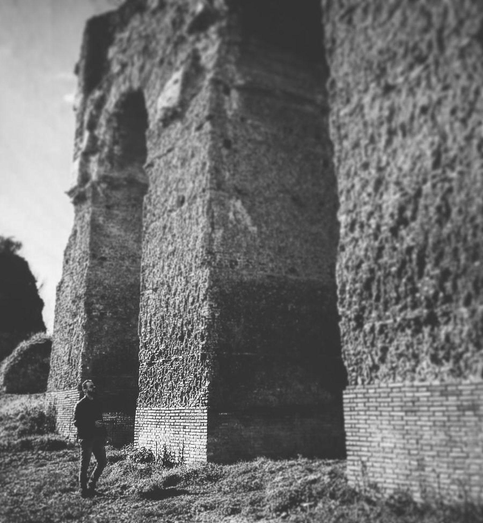 Italy Italia Architecture History Rome Roma Sky Castel Madama Ancient Ancient Architecture Ancient History Ancient Roman Acquedotto Acquedotto Romano Anio Novus Arches Me Blackandwhite