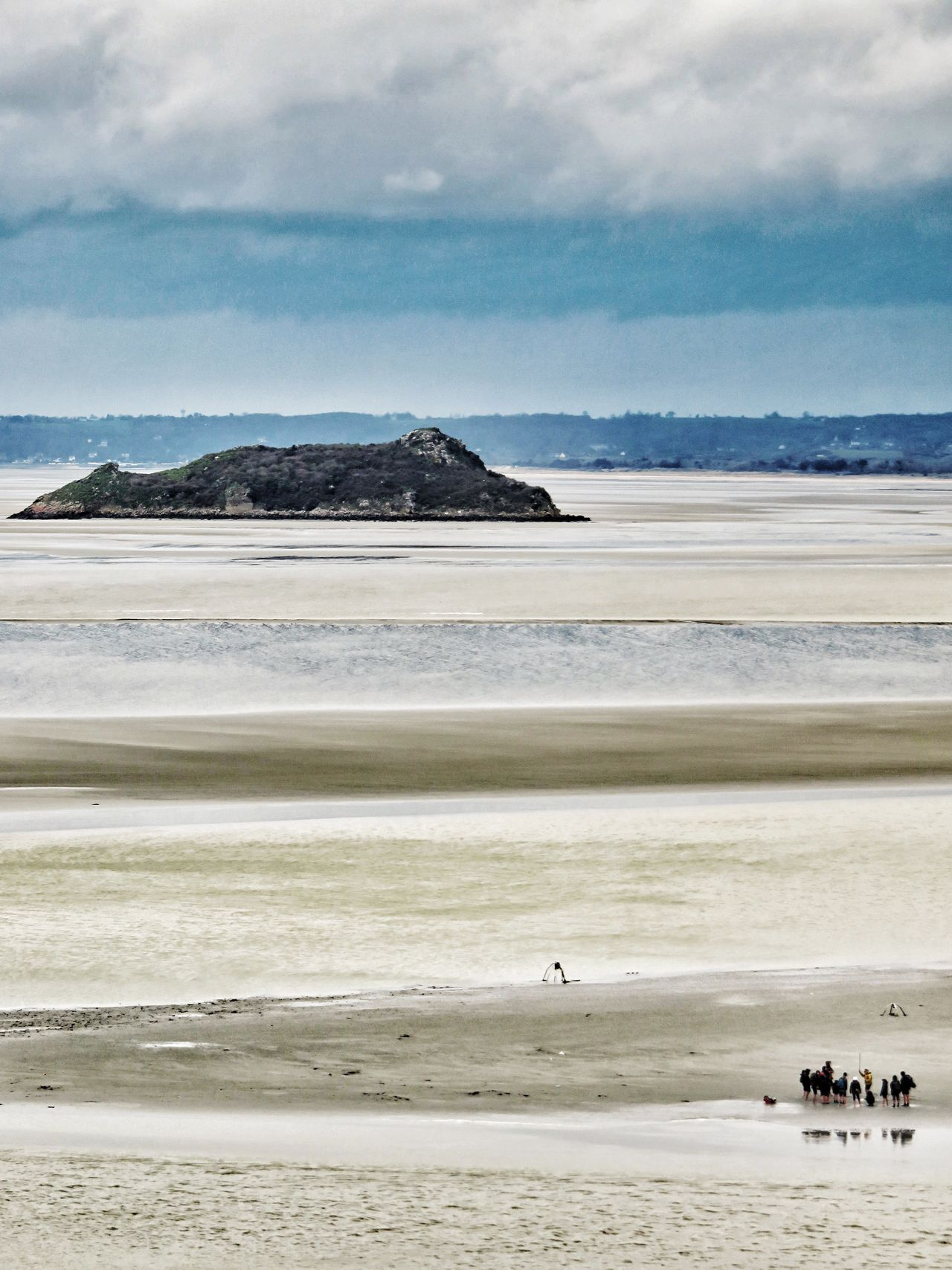 Landscapes With WhiteWall Mont Saint-Michel Bay Bay Area Hill Landscape Landscape_Collection Landscape_photography EyeEm Landscape Bretagne France People Scout Scouts Scouting Low Tide Prespective Check This Out Taking Photos Hello World Tourist Attraction  Tourists