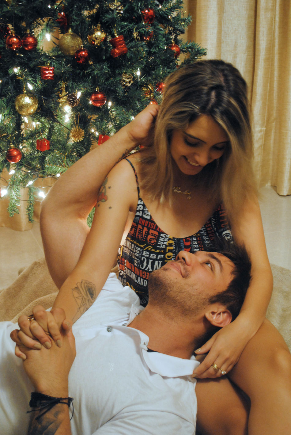 Christmas Christmas Tree Happiness Couple Lovephotography  Two People Christmas Around The World Christmas Spirit Christmastime Couple - Relationship People OpenEdit Christmas Boyfriendgirlfriend Couple In Love Couplesphotography Couples Shoot Celebration Young Adult Smiling Portrait Couplephotography Love Is In The Air Love Photography