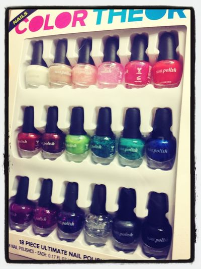 Need some nail polish? Just ask me. Iv'e got tons! Something to do on a rainy day ❤ be creative and bold, when it comes to using nail polish, your never to old :)