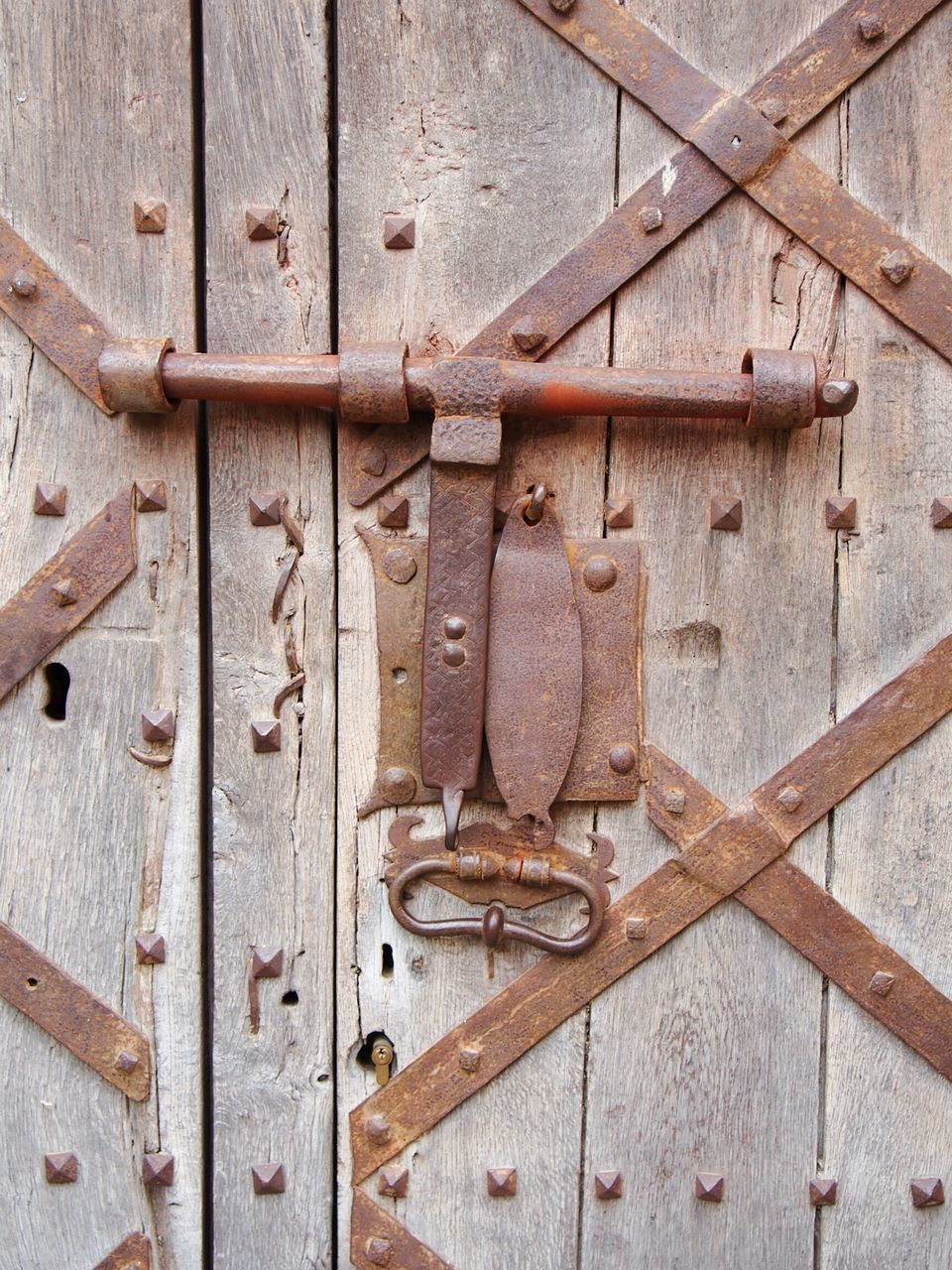 wood - material, door, metal, safety, close-up, no people, rusty, outdoors, full frame, backgrounds, day, latch, hinge