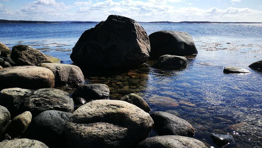 Sea Beach Rock - Object Water Nature No People Day Horizon Over Water Sky Outdoors Beauty In Nature Scenics Close-up