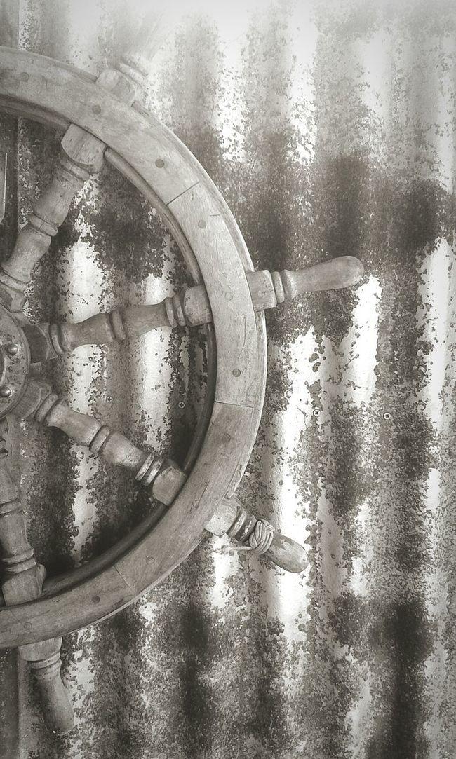 Black & White Boat Wheel Rusty Things Dream Big... Maryborough QLD