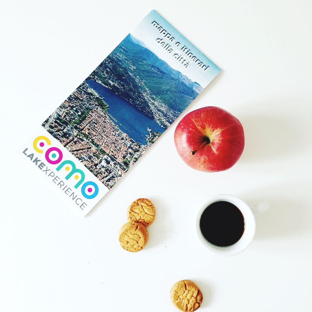 sıαмσ αppєиα αgℓı ıиızı . Foodphotography EyeEm Best Edits Food Coffee Coffee Time Biscuits Apple Como Lake Lakexperience