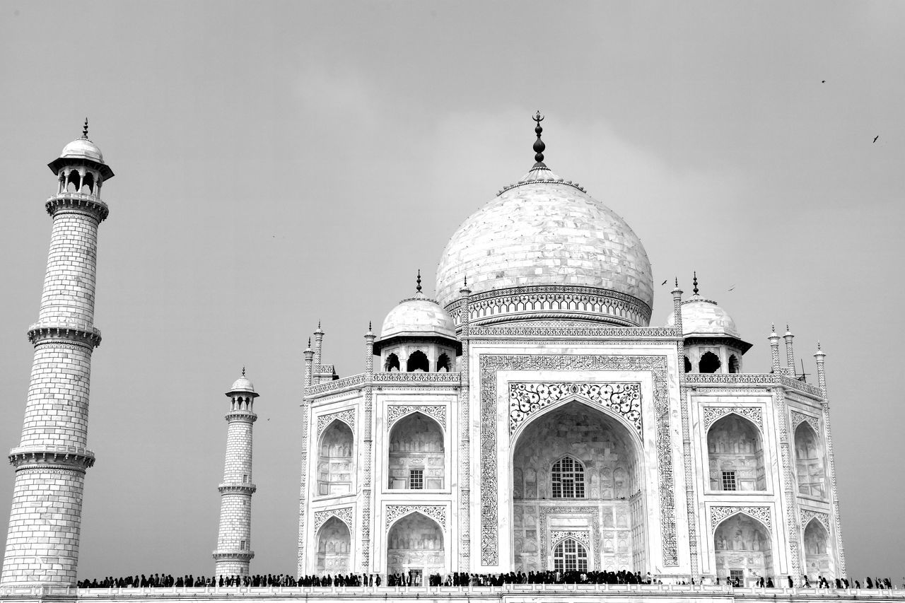 Architecture ASIA Cultures Dome India Mausoleum Minarets New Wonders To See Place Of Worship Taj Mahal Taj Mahal, Agra Tomb Tourist Attraction  Tourist Destination Tourist Destinations Travel Destination Travel Destinations Wonders Of The World World Heritage Site