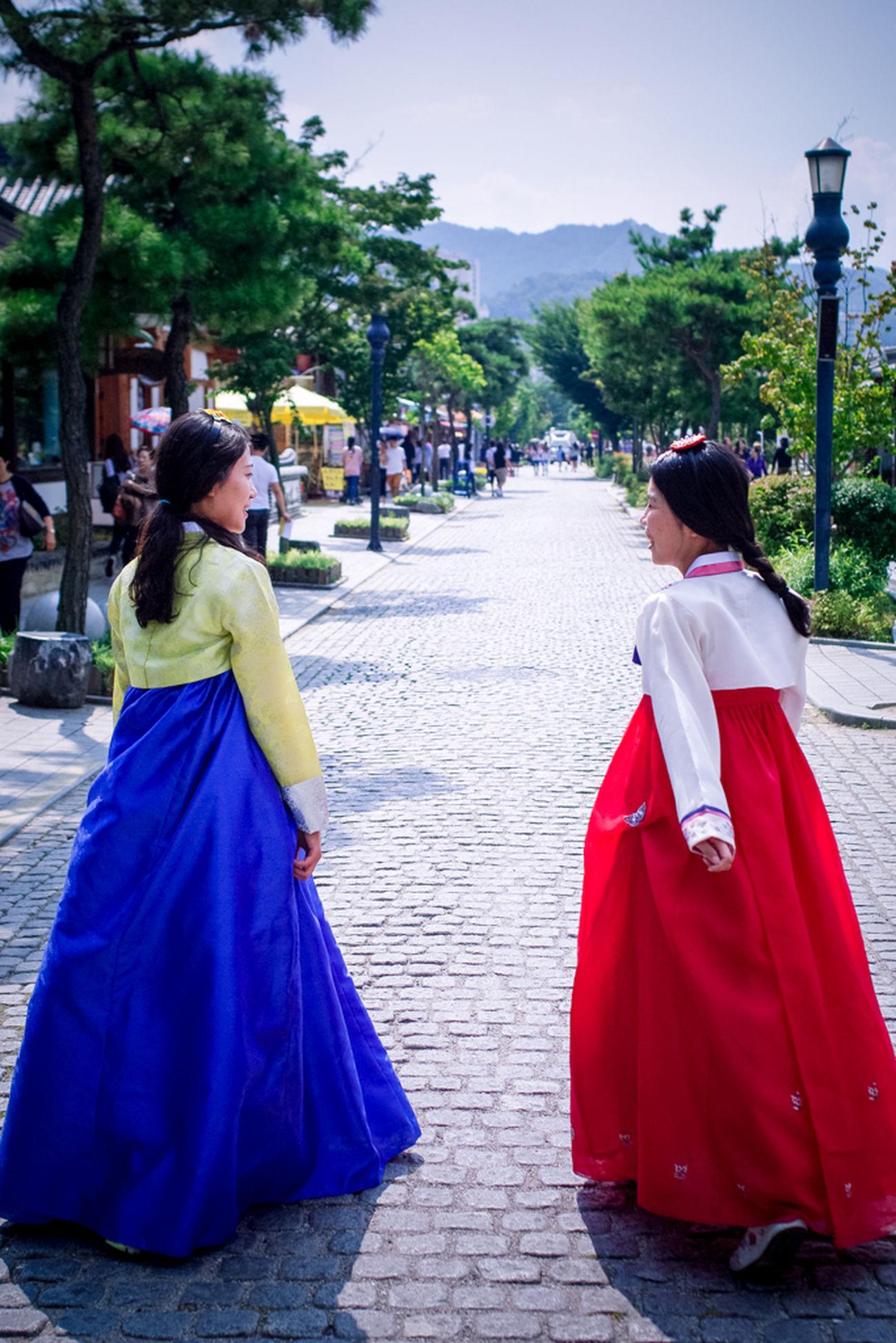 Korea Traditional Village Korea Tradition Korea Traditional Dress Portrait Streetphotography 전주한옥마을 한복 한옥마을